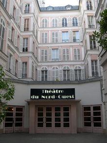 220px-Facade-theatre-nord-_ouest-paris
